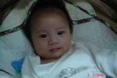 太陽化權座命宮女寶寶-4個月